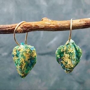 Handmade pods earrings green with gold leaf